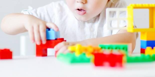Alexis, 7 ans, est décédé après avoir ingéré un Lego : la justice ne tranchera pas - La DH