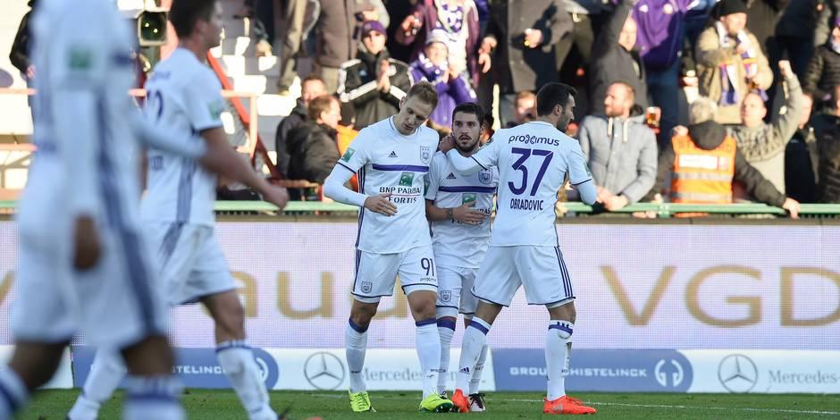 Anderlecht inflige à Courtrai sa première défaite à domicile (1-3)
