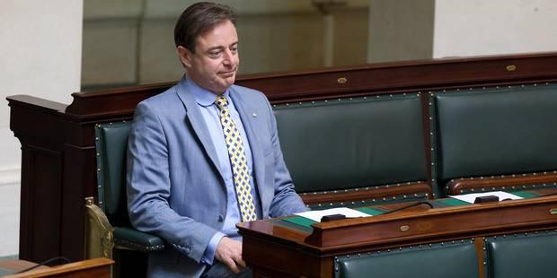 """Visa à une famille syrienne : """"Si un juge veut faire la loi, qu'il se mette sur une liste électorale"""", répond De Wever -..."""