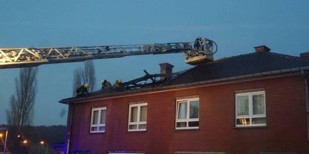 Farciennes: une toiture en feu - La DH