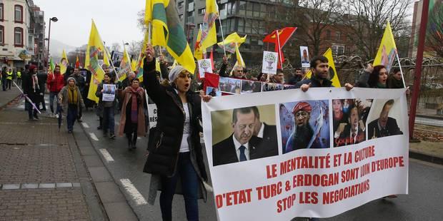 Une centaine de personnes à la manifestation pro-kurde à Charleroi - La DH