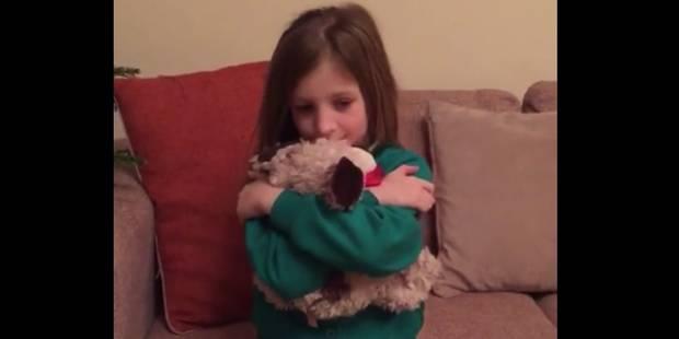 Elle fond en larme quand sa peluche se transforme en chiot (VIDEO) - La DH