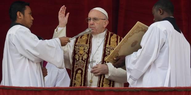 """Message """"Urbi et orbi"""": le pape appelle à la fin de la guerre en Syrie - La DH"""
