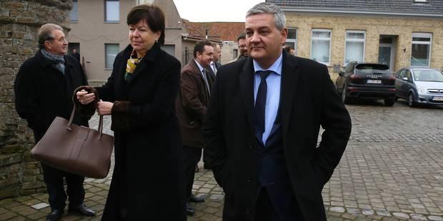 M. Vandeput à la rencontre des militaires en rue pour Noël - La DH