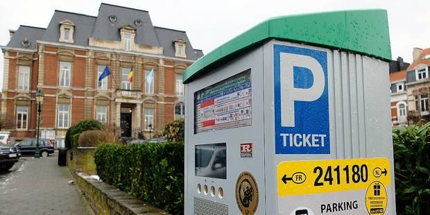 Le paiement du stationnement par smartphone s'étend à Uccle et Jette - La DH