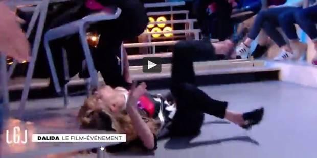 """Grosse frayeur au """"Grand Journal"""": une invitée fait une crise d'épilepsie en direct (VIDEO) - La DH"""