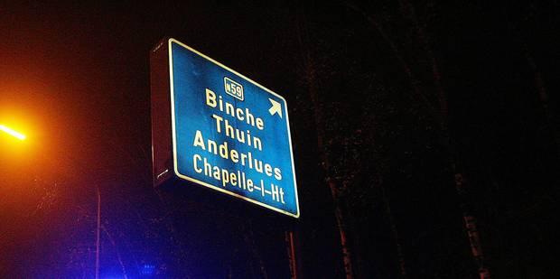 Magnette dérape sur les panneaux d'autoroute et choque la Flandre - La DH
