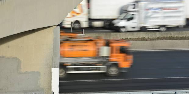 Il roule 40 km à contresens avant d'emboutir une voiture de police - La DH