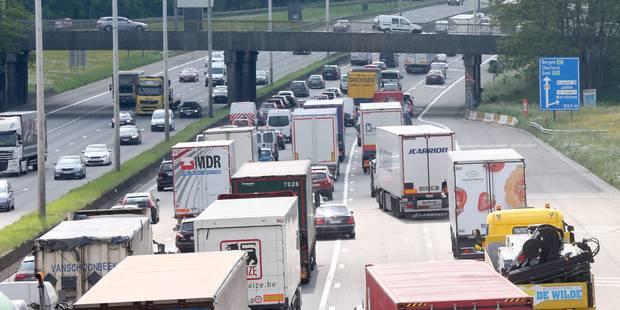 Chaos sur le ring de Bruxelles après une collision en chaîne et un accident: l'heure de pointe s'annonce difficile - La ...