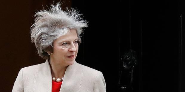 Le Brexit signifiera la sortie du Royaume-Uni du marché unique, affirme Theresa May