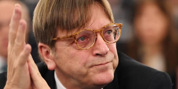 """Brexit: """"Pas possible de conserver les avantages de l'UE en la quittant"""", selon Verhofstadt"""