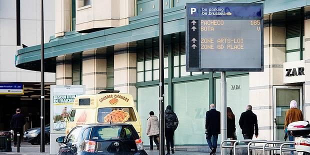 Bruxelles: Les premiers panneaux dynamiques de téléjalonnement enfin installés - La DH