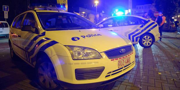 Louvain: ivre, une vieille dame défèque dans un combi de police - La DH