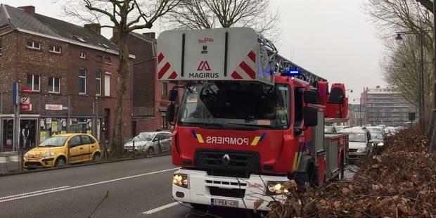 Opération escargot des pompiers de Mons sur le boulevard ! - La DH