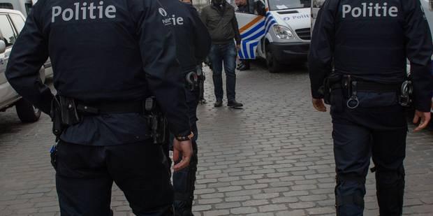 """""""Dégage, sale macaque"""": voici la peine infligée au kiné """"flamingant"""" qui avait insulté un policier à Molenbeek"""