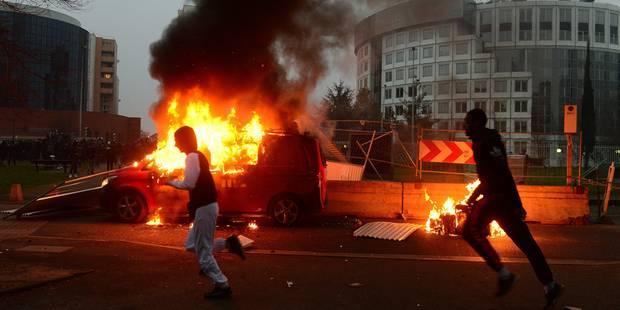 Manif qui déborde à Bobigny: un adolescent de 16 ans sauve une fillette tétanisée dans une voiture en partie en feu - La...
