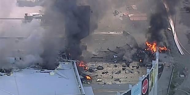 Australie: un petit avion s'écrase sur un centre commercial, 5 morts - La DH