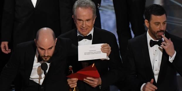 """""""Il y a une erreur, """"Moonlight"""" est le meilleur film"""": voici ce qu'il s'est réellement passé aux Oscars (VIDEO) - La DH"""