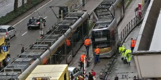 Un tram déraille à Schaerbeek près de la place Meiser: la circulation rétablie - La DH