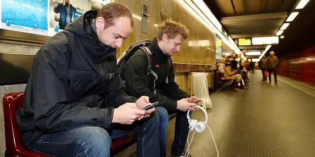 Dans le métro, la 3G éclipse le Wi-Fi gratuit - La DH