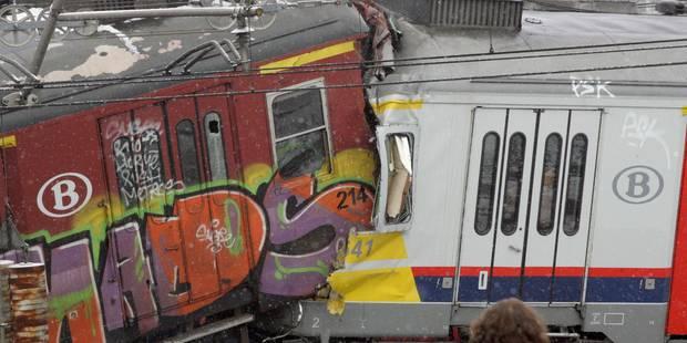 Catastrophe de Buizingen: Le parquet poursuit le conducteur du train, la SNCB et Infrabel - La DH