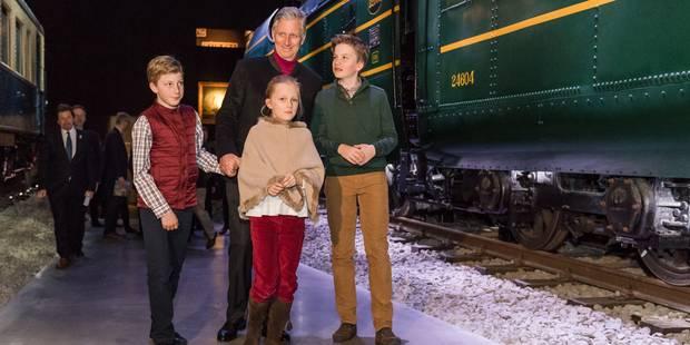 Le Roi en visite à Train World avec trois de ses enfants (PHOTOS) - La DH