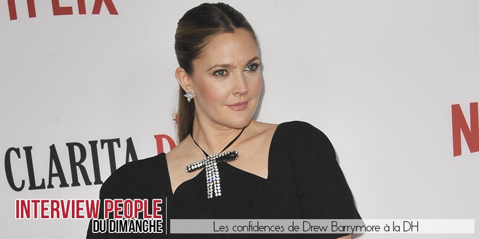 """Drew Barrymore, la rescapée d'Hollywood: """"Ma mère m'emmenait en boîte de nuit!"""""""
