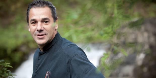 Le chef Pierre Résimont nous livre l'histoire de sa recette phare : la mijotée d'asperges aux lardons et muscat - La DH