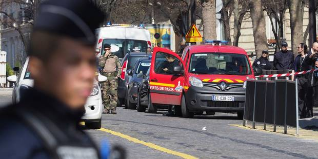 """Courrier piégé au siège du FMI: une personne blessée, F. Hollande évoque un """"attentat"""" (PHOTOS + VIDEOS) - La DH"""