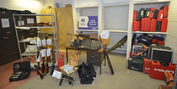 14 interpellations dans le Centre et à Charleroi dans le cadre d'un trafic d'armes - La DH