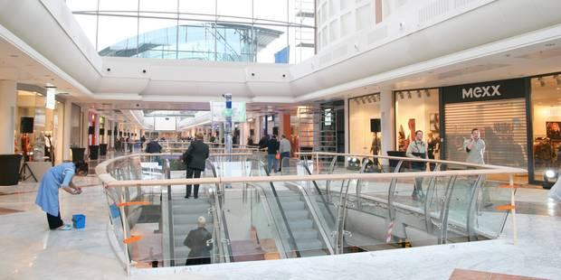 """Louvain-la-Neuve: le centre commercial """"L'Esplanade"""" évacué suite à un incendie - La DH"""
