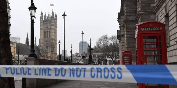 """Attentat de Londres: l'assaillant identifié, il avait déjà été inculpé pour """"possession d'armes"""" (VIDEO) - La DH"""
