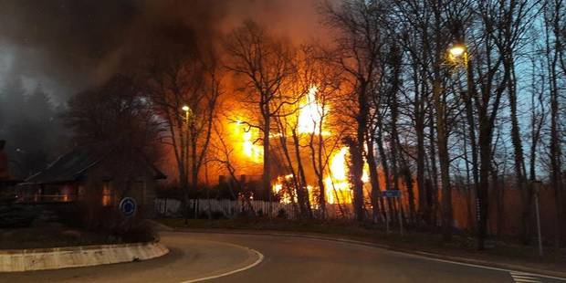 Spa: l'immeuble en feu était au centre d'une polémique (PHOTOS) - La DH
