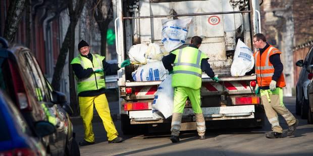 Sacs poubelle, urine, canettes, etc.: la Ville de Bruxelles augmente drastiquement ses taxes en matière de propreté publ...