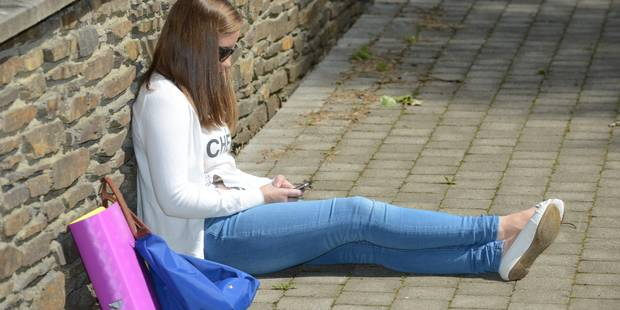 """""""Blue Whale Challenge"""": le défi suicidaire qui attire les adolescents fragiles - La DH"""