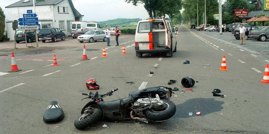 qui vrain accident mortel entre une moto et une voiture la dh. Black Bedroom Furniture Sets. Home Design Ideas