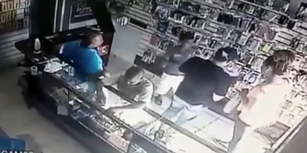 Un gamin reçoit une bonne leçon après avoir volé dans un magasin (VIDEO) - La DH