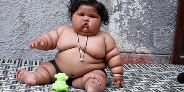 Un bébé de 8 mois pèse 17kg: les parents accusent Dieu - La DH