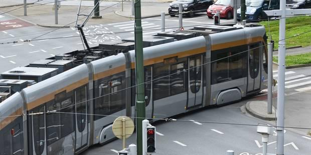 Accident entre un tram et un cycliste sur la ligne 7 à Bruxelles - La DH