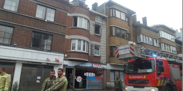 Feu de grenier à Charleroi - La DH