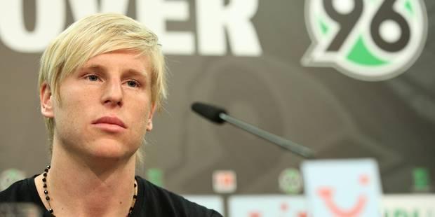 Émoi dans le monde du football, après le suicide d'un international tchèque - La DH