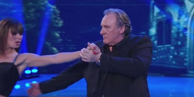 """Gérard Depardieu surprenant d'élégance dans """"Danse avec les Stars"""" en Italie (VIDEO) - La DH"""