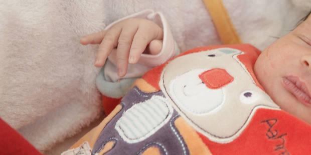 Italie: elle simule une grossesse, achète un bébé... et le rend car métis - La DH