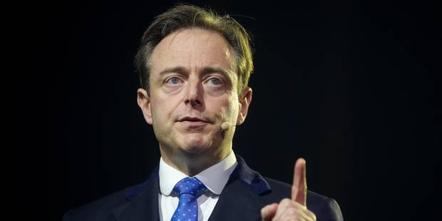 """Comment De Wever souhaite arriver au confédéralisme : """"Une stratégie avec beaucoup de risques et sans issue certaine"""" - ..."""
