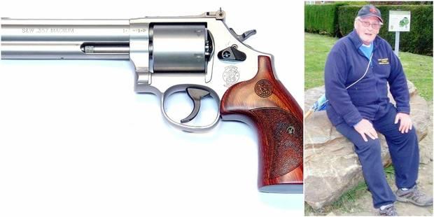L'Etat lui refuse de détenir une arme car il est en conflit avec ses voisins - La DH