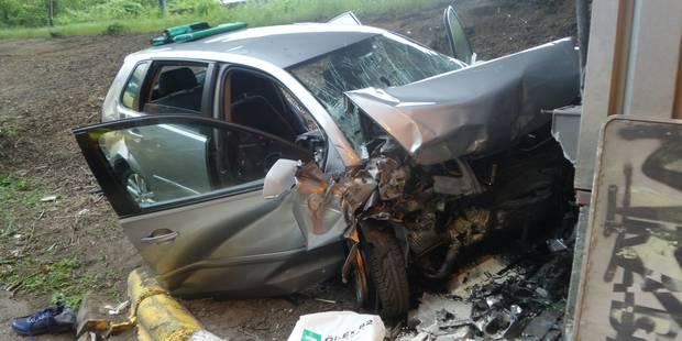 Un jeune automobiliste grièvement blessé sur la Route de la Basse-Sambre à Charleroi - La DH