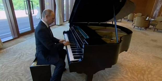 Les talents musicaux méconnus de Vladimir Poutine (VIDEO) - La DH