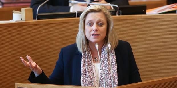 Eliane Tillieux quittera le gouvernement wallon si elle devient bourgmestre de Namur - La DH