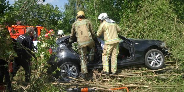 Fontaine-L'Eveque: Un conducteur blessé sur la N54 - La DH