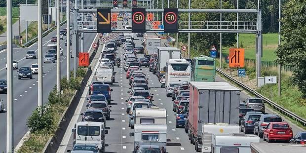 Gros embarras de circulation depuis la France après un accident impliquant un bus à hauteur d'Aalbeke - La DH